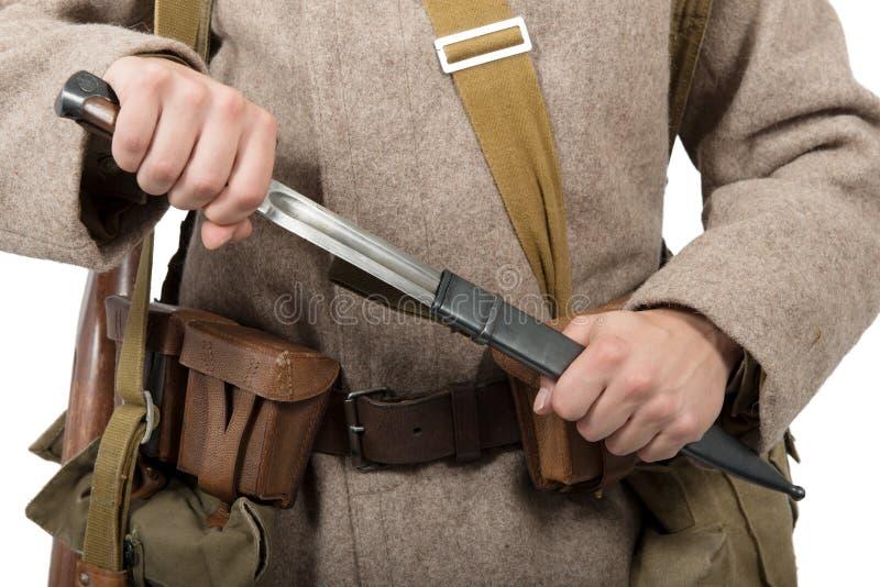 苏联战士的刺刀的特写镜头, ww2 库存照片