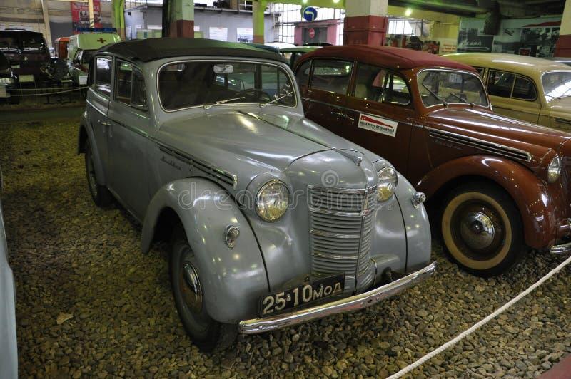 苏联汽车Moskvitch 400敞篷车 免版税图库摄影