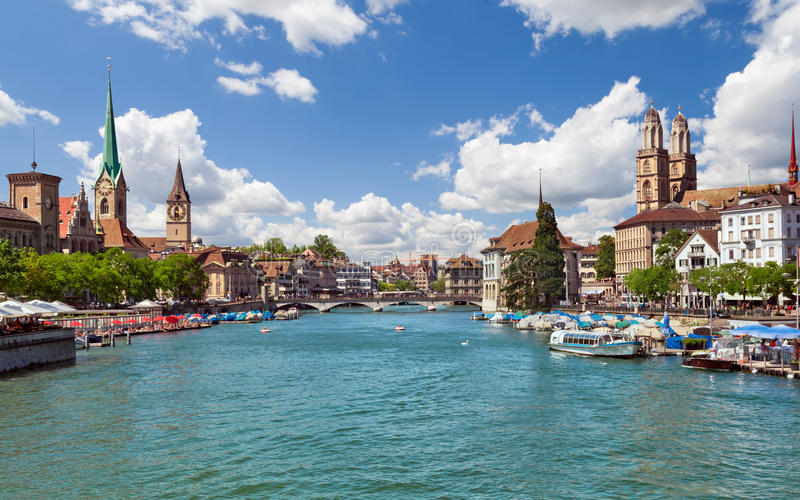 苏黎世和河Limmat,瑞士 免版税库存图片