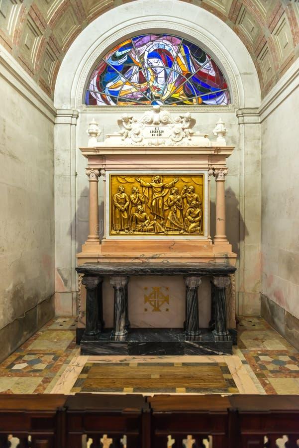 苦路( 通过crucis)法蒂玛里面圣所  库存图片