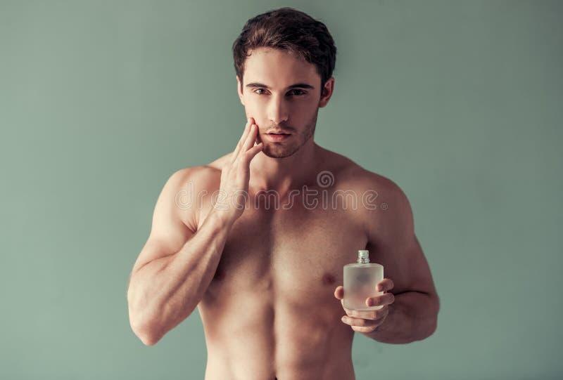 英俊的人年轻人 免版税库存照片