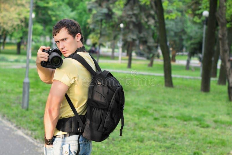 年轻英俊的人 免版税库存照片
