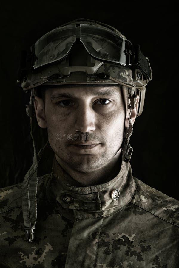 英俊的军人宏观画象  免版税库存图片