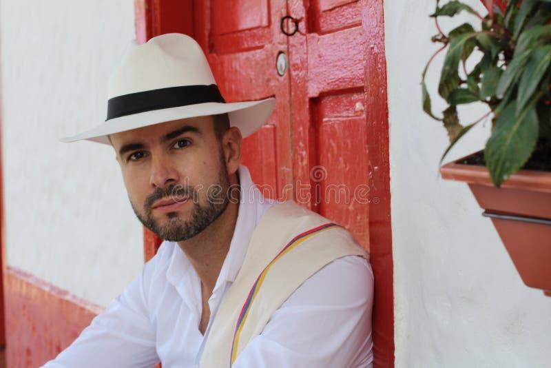 英俊的南美人佩带的帽子 库存照片