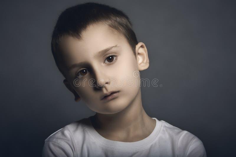 英俊的孩子画象  免版税库存图片
