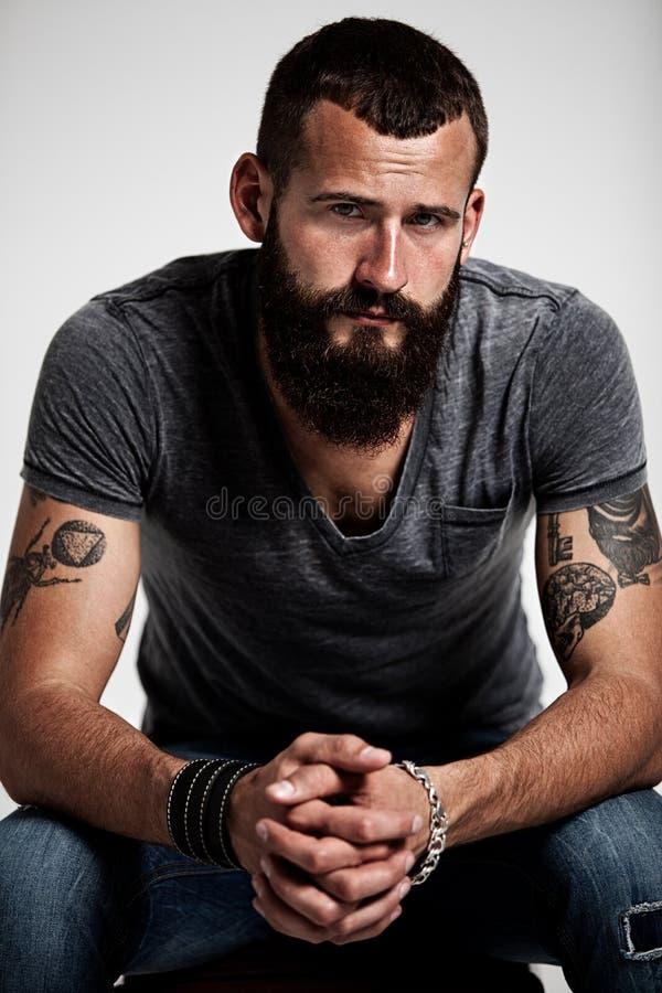 英俊的有胡子的人画象  免版税库存图片