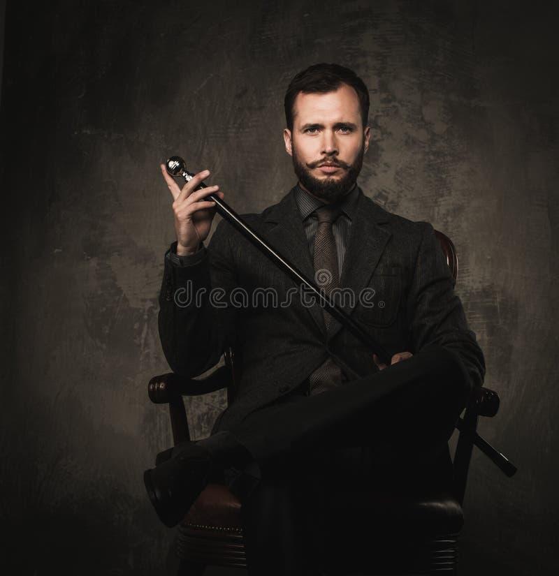英俊的穿着体面的人 免版税库存图片