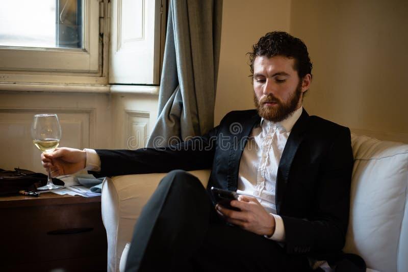 英俊的行家典雅的人 免版税库存照片