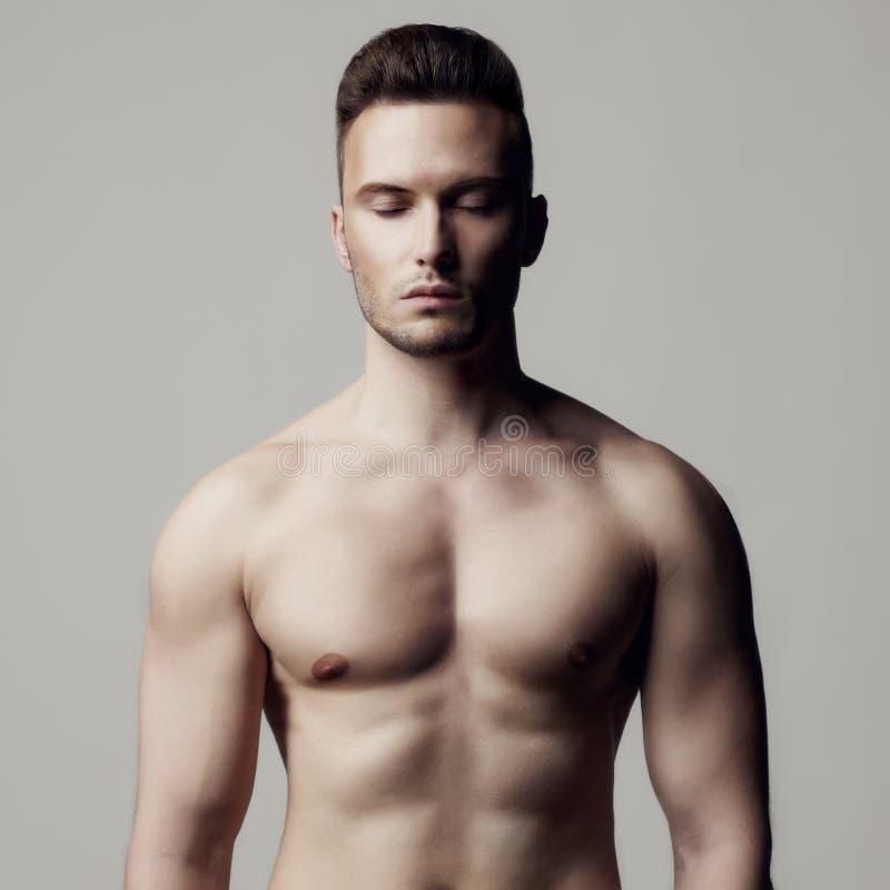 英俊的赤裸男性 库存照片