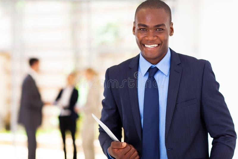 英俊的非洲生意人 免版税库存照片