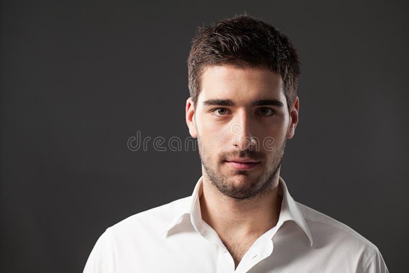 英俊的年轻人 免版税库存图片