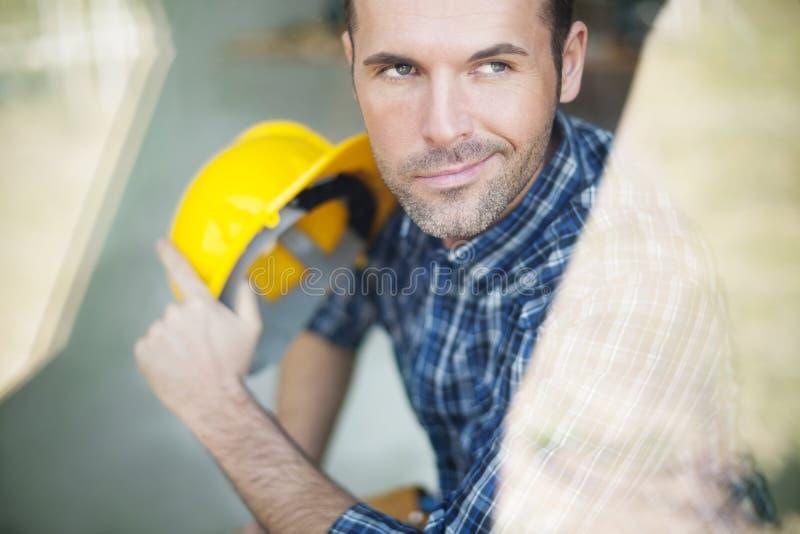 英俊的建筑工人 图库摄影