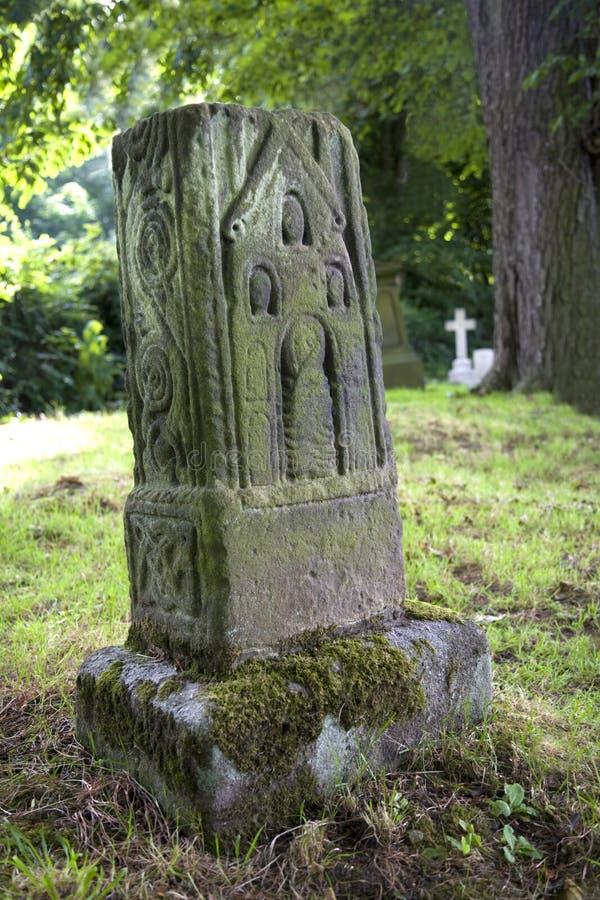 英国人的被雕刻的交叉撒克逊人 免版税库存图片