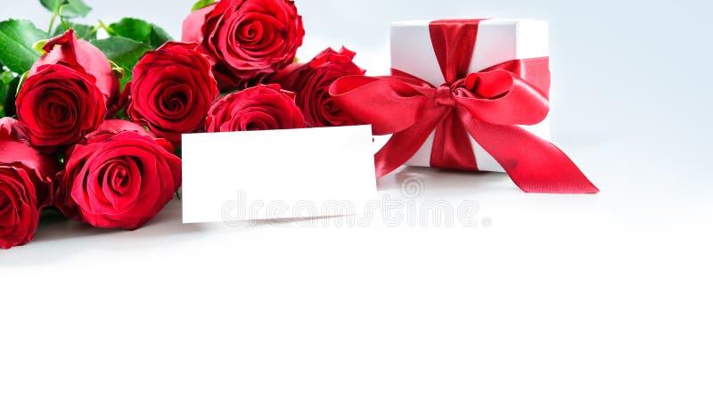 英国兰开斯特家族族徽和礼物盒花束有空标识符的 免版税库存照片