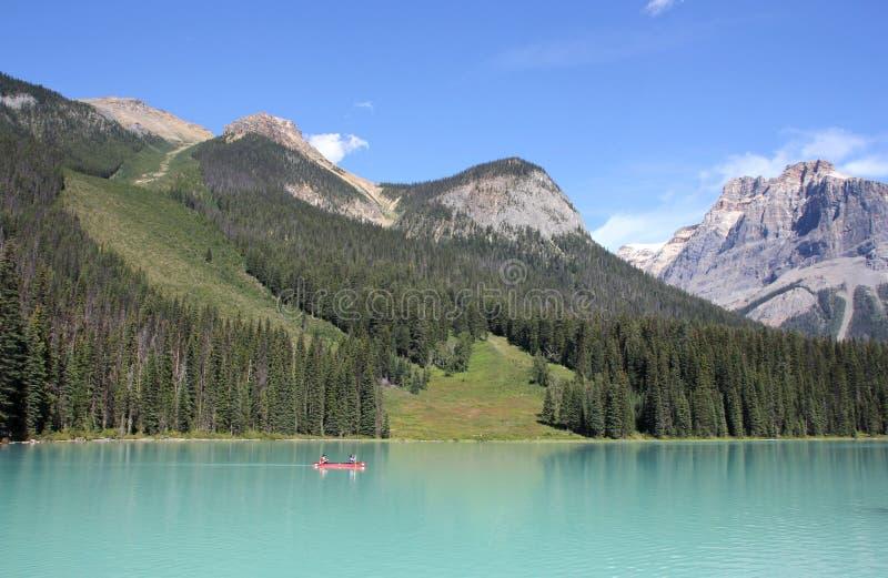 Download 英国加拿大哥伦比亚鲜绿色湖找出国家公园yoho 编辑类图片. 图片 包括有 岩石, 风景, 蓝色, 绿色 - 59107275
