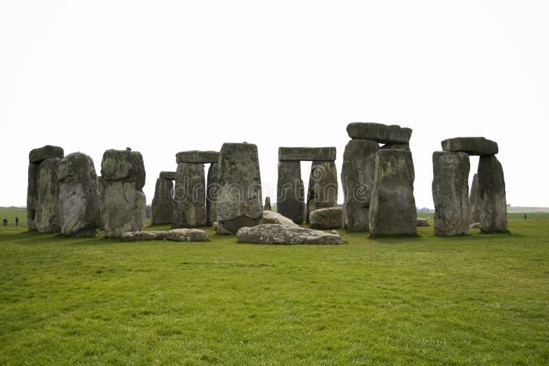 英国常设stonehenge向威尔特郡扔石头 免版税库存照片
