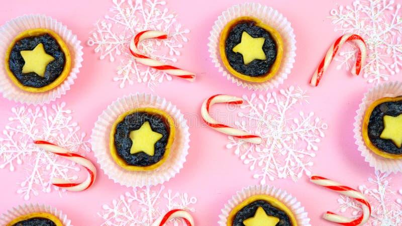 英国样式传统圣诞节假日食物的欢乐收藏 库存图片