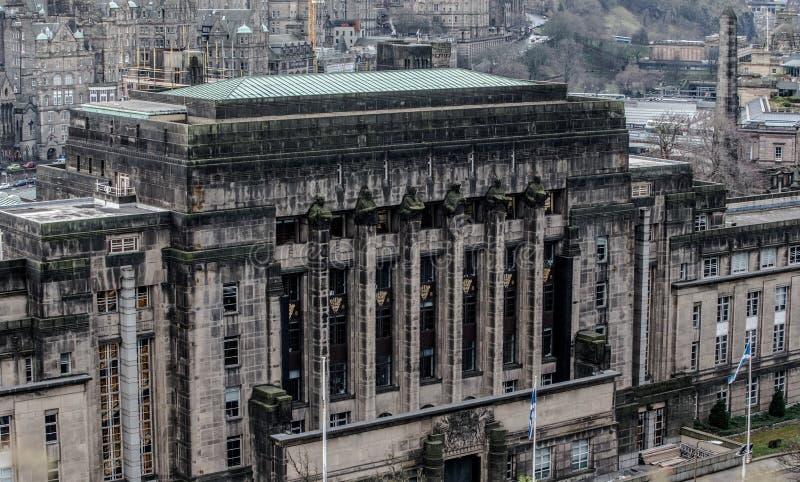 英国爱丁堡 — 2017年12月15日:从卡尔顿山看苏格兰议会 免版税图库摄影