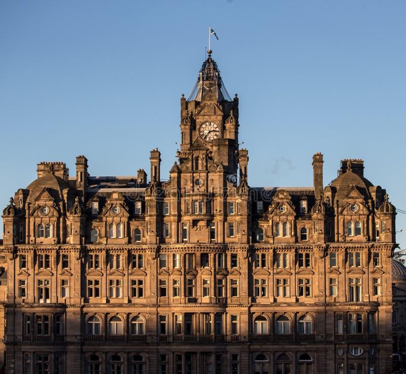 英国爱丁堡 — 2017年12月15日:苏格兰爱丁堡北桥大楼 免版税库存照片