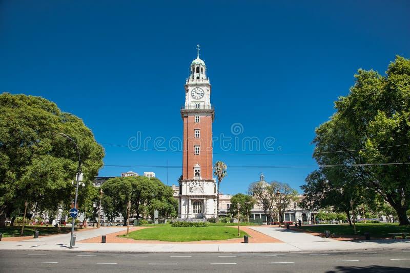 英国的塔是一座钟楼在雷蒂罗区在布宜诺斯艾利斯阿根廷 库存图片