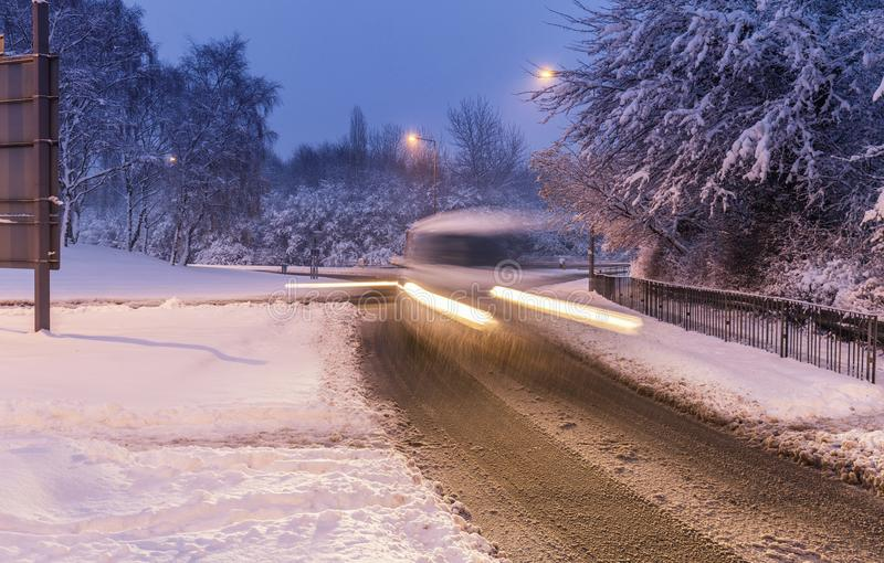 英国的积雪的街道 免版税库存照片
