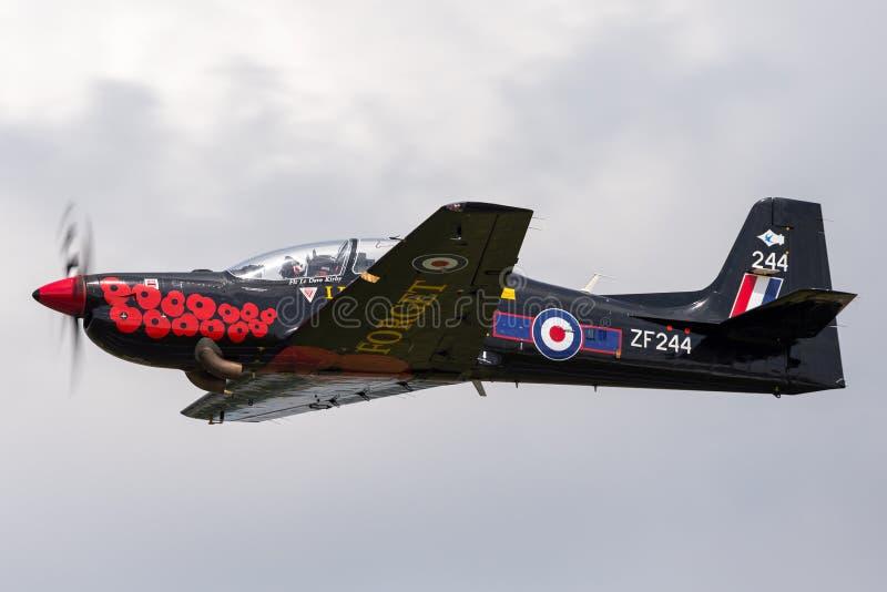 英国皇家空军皇家空军从皇家空军的短小S-312 Tucano T1 ZF244林顿在Ouse 库存照片