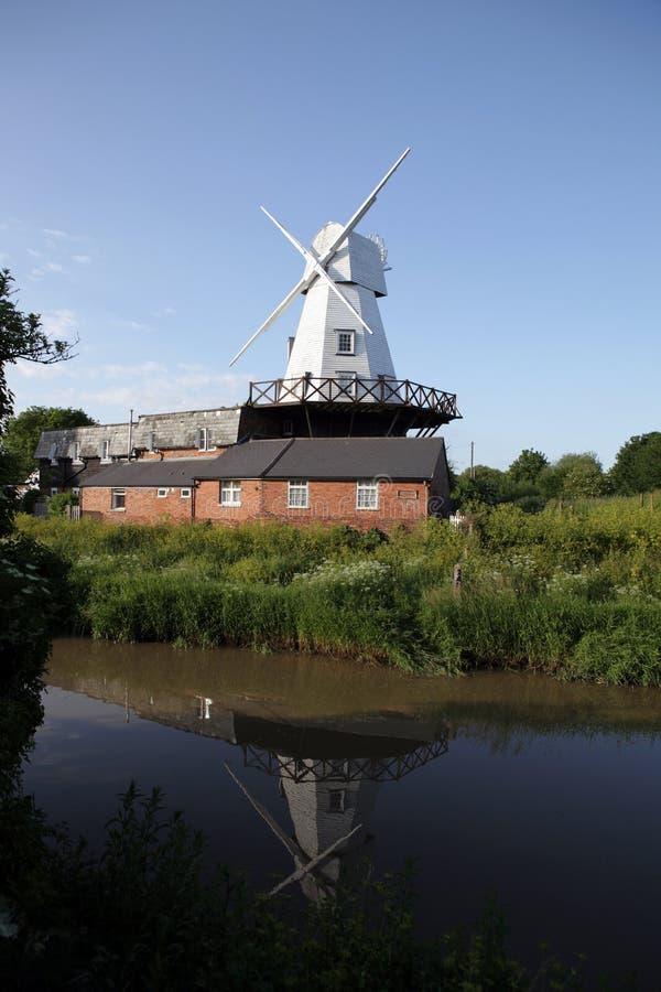 英国磨房河风车 库存照片