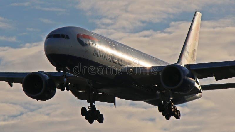 英国航空公司波音777-200ER在多伦多皮尔逊 库存照片