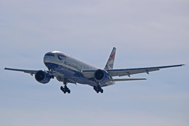 英国航空波音777-200ER正面图 免版税库存照片