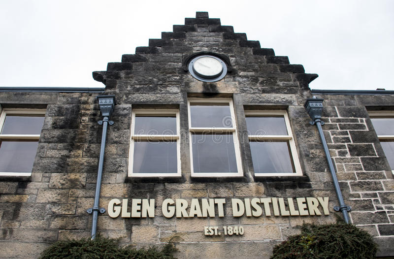 英国,苏格兰17 05 2016年幽谷格兰特Speyside唯一麦芽苏格兰威士忌酒槽坊生产 库存照片