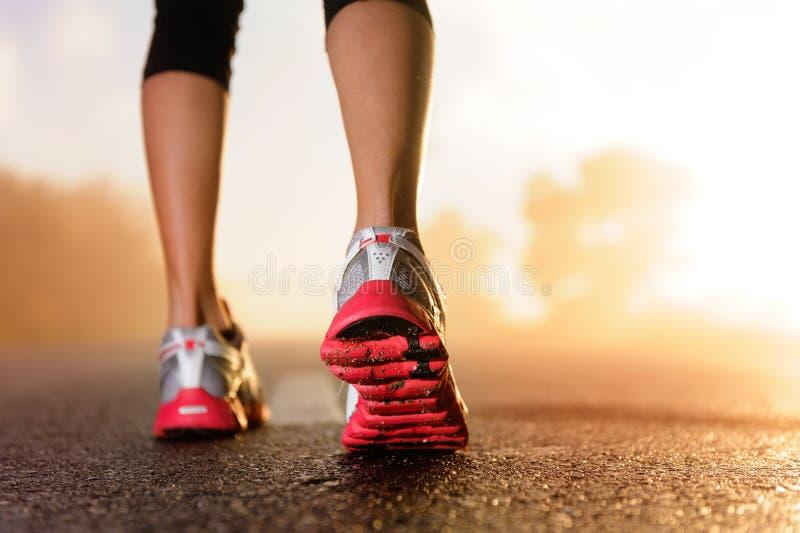 英尺赛跑者日出 免版税图库摄影