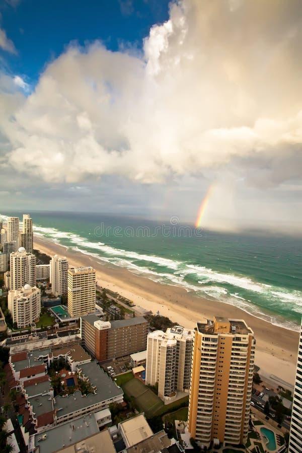 英属黄金海岸昆士兰澳大利亚-阵雨和彩虹 免版税库存图片