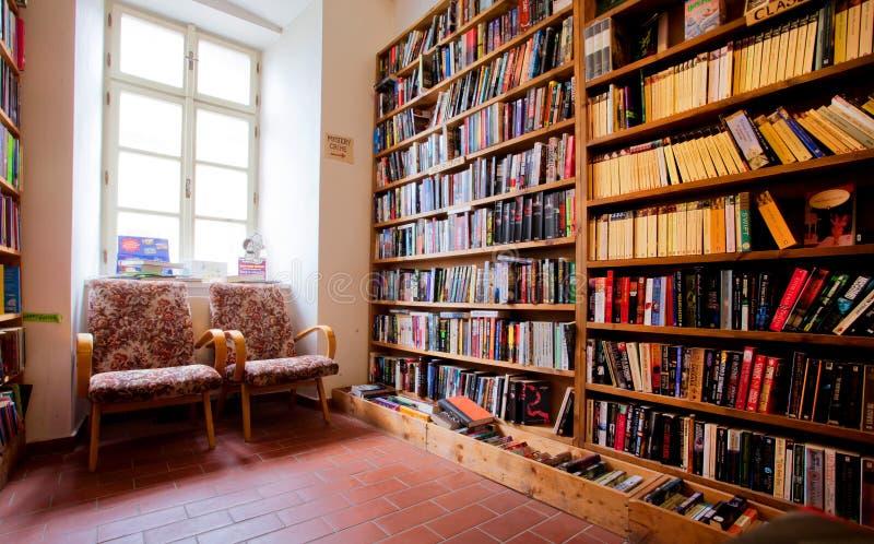 英文书店的内部 免版税库存图片