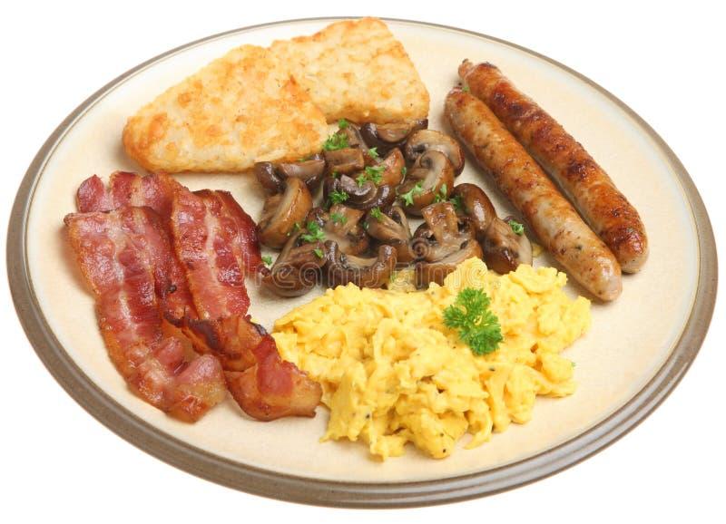 英语在白色隔绝的煮熟的早餐 免版税库存图片