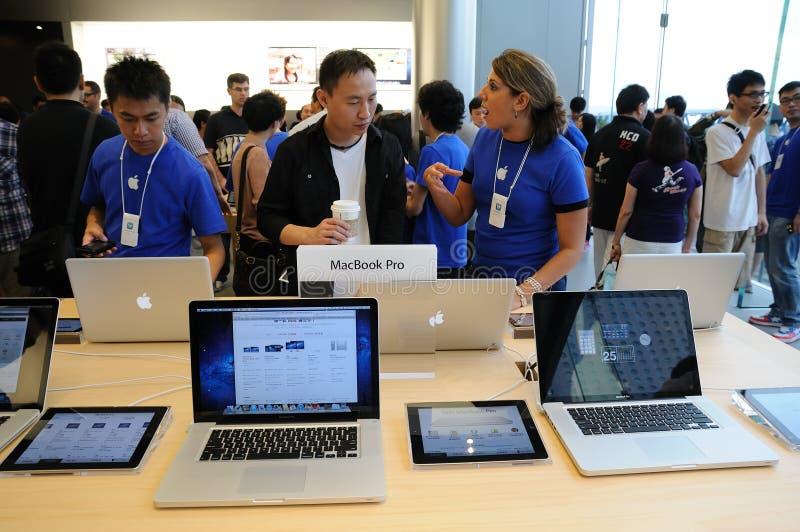 苹果人员销售额存储 库存照片