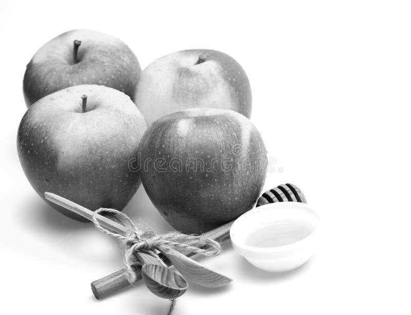 苹果和土气利器的构成 套果子,匙子 免版税库存照片