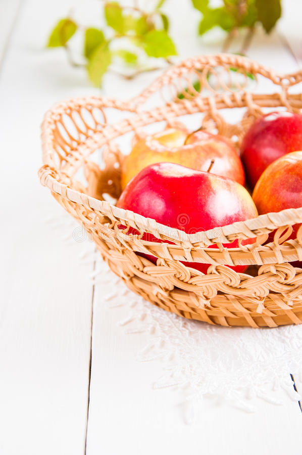 苹果新收获 自然果子概念 库存图片
