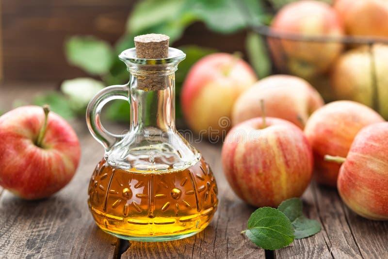 苹果汁醋 库存图片
