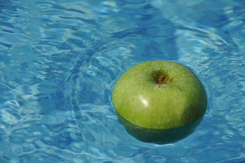 苹果浮动 库存照片