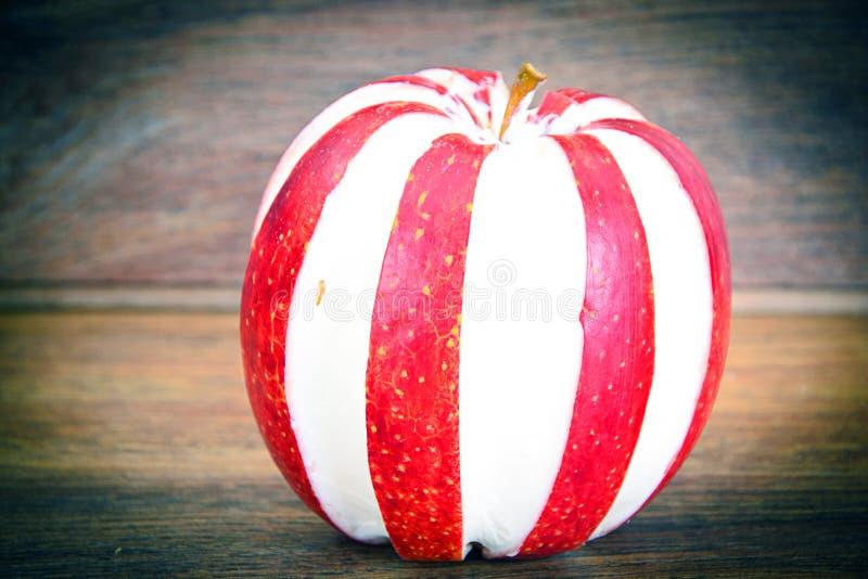 Download 苹果计算机充塞了用乳脂干酪饮食食物 库存照片. 图片 包括有 细菌学, 干酪, 制动手, 陆运, 叶子, 膳食 - 62529542