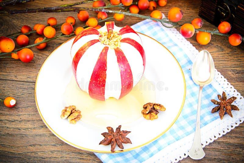 Download 苹果计算机充塞了用乳脂干酪饮食食物 库存照片. 图片 包括有 圣诞节, 面团, 国内, 干酪, 奶油, 申请人 - 62529620