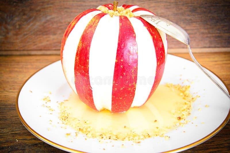 Download 苹果计算机充塞了用乳脂干酪饮食食物 库存图片. 图片 包括有 颜色, 烹饪, 膳食, 圣诞节, 饮食, 正餐 - 62529669