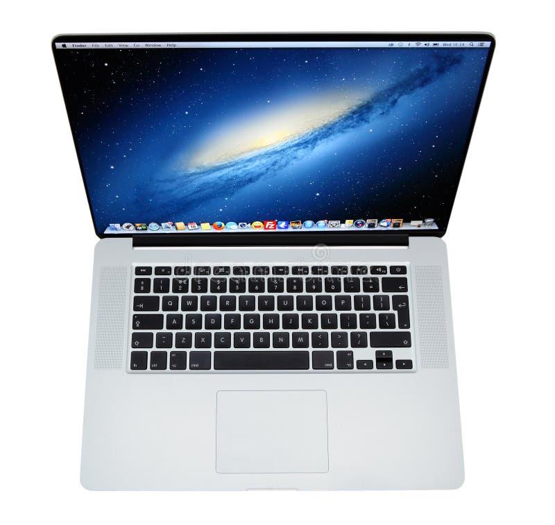苹果计算机Mac书赞成膝上型计算机视网膜显示 免版税库存图片