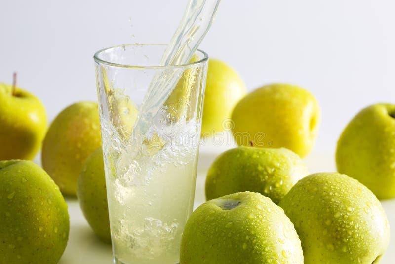 苹果绿的汁液 免版税库存照片