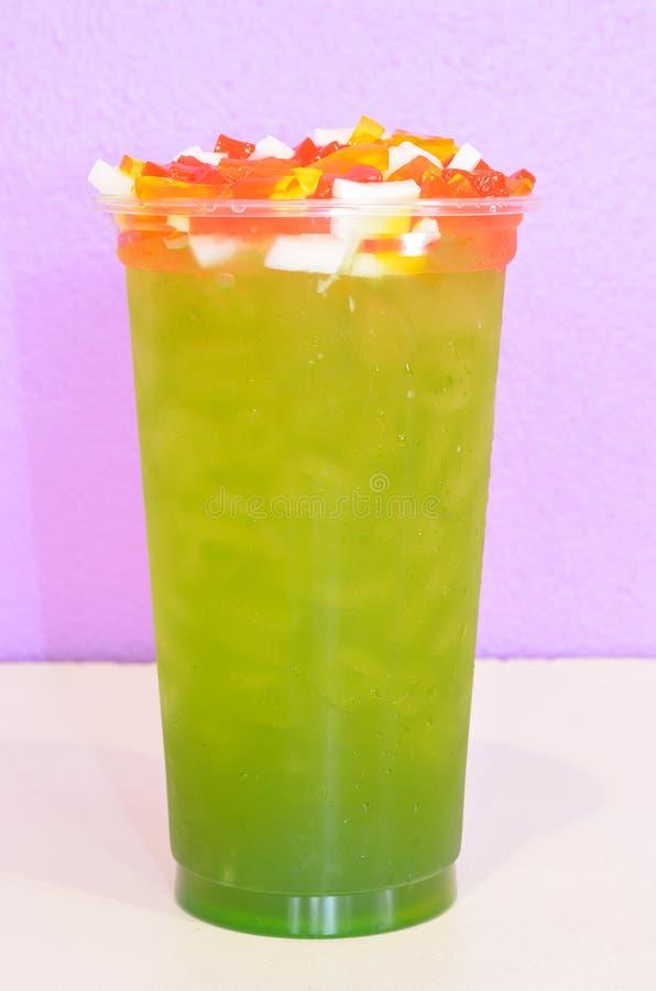苹果绿的茶 免版税库存图片
