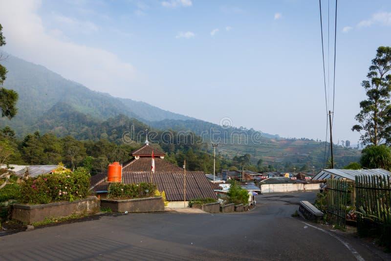 茂物,印度尼西亚- 2017年9月1日:一个安静和美好的早晨在Cibodas,茂物村庄  库存图片
