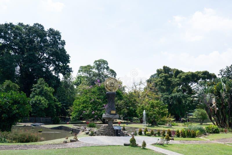 茂物,印度尼西亚- 2018年9月6日:庭院的看法茂物植物园的,它茂物,印度尼西亚位于 库存照片