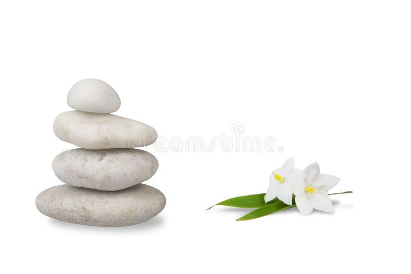 茉莉花生活小卵石堆积了寂静的健康 免版税库存图片