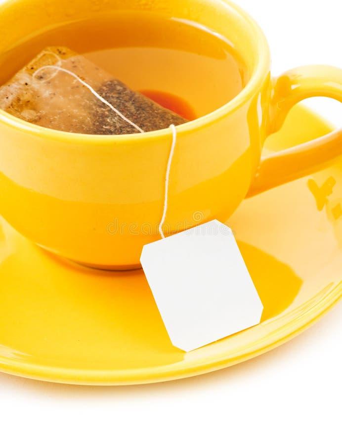 茶与茶包(空白的标签)的 库存照片