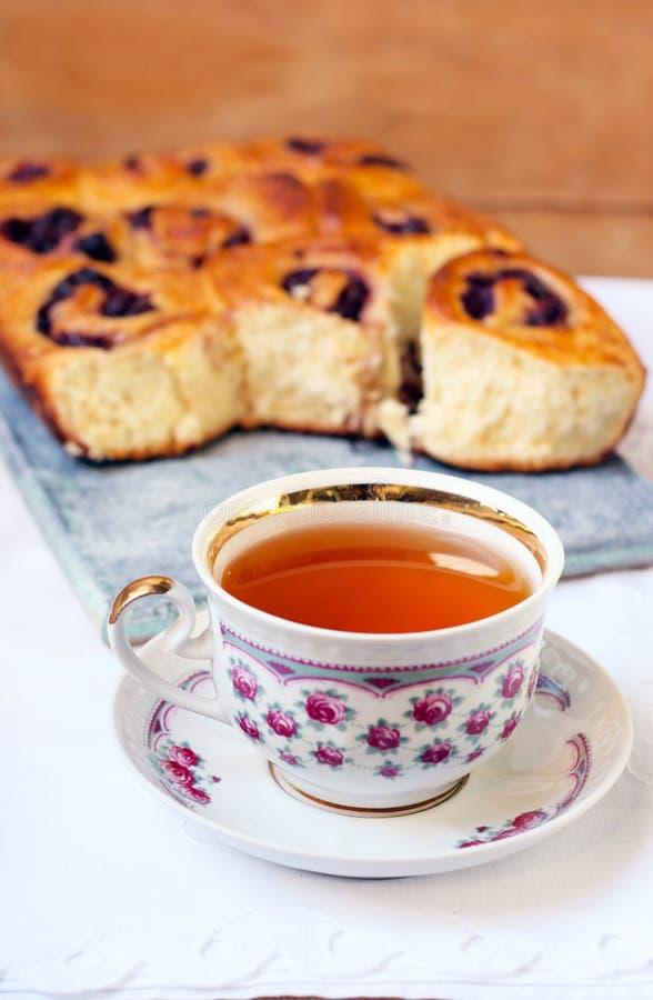 茶和小圆面包 库存照片